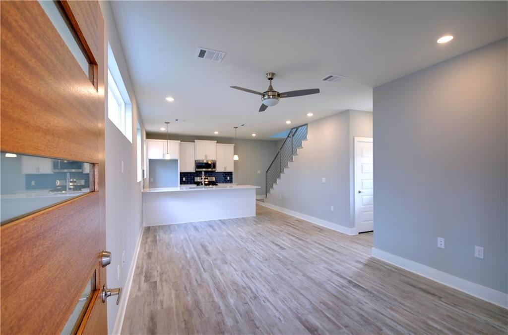 Sold Property | 6815 Montana Street #B Austin, TX 78741 4