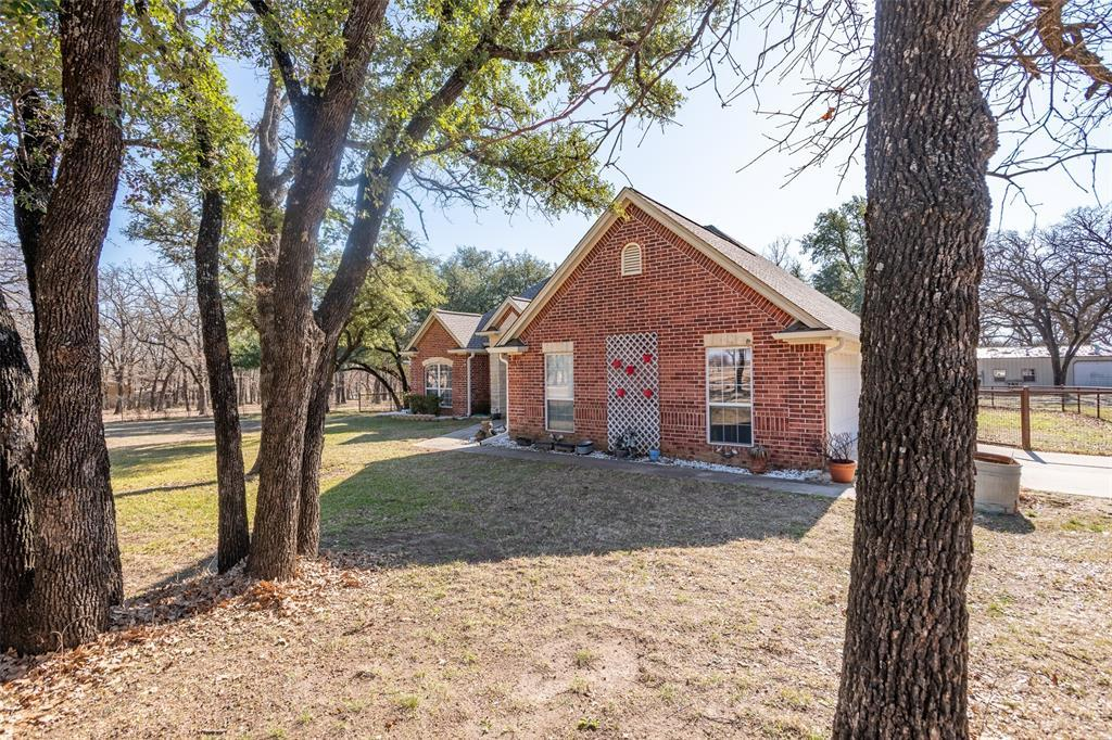 Sold Property | 2883 J E Woody Road Springtown, TX 76082 1