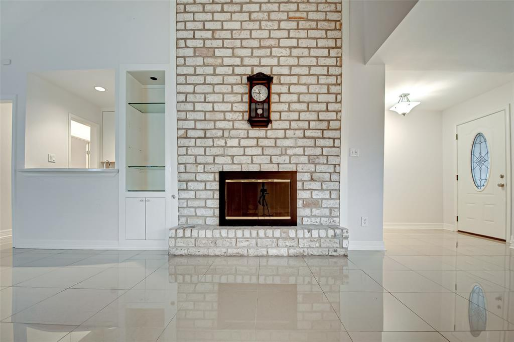 Active | 5826 Picasso Place Houston, TX 77096 12