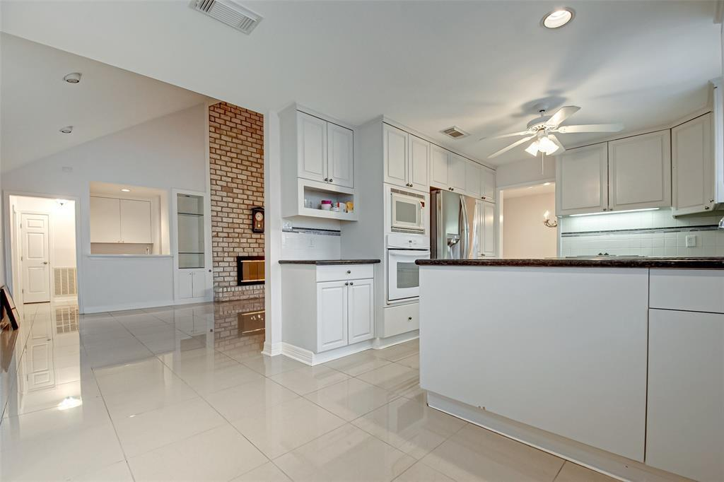 Active | 5826 Picasso Place Houston, TX 77096 15