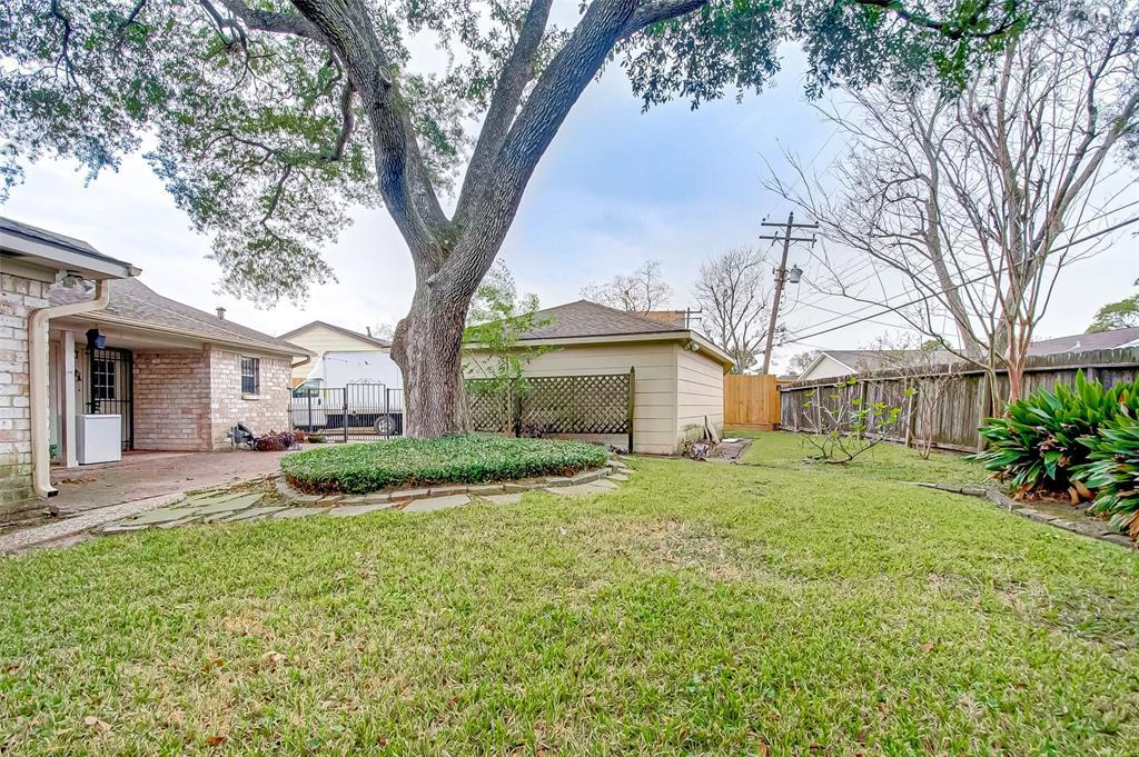 Active | 5826 Picasso Place Houston, TX 77096 37