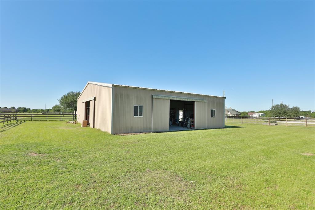 Active   16080 Black Falcon Road Waller, TX 77484 41