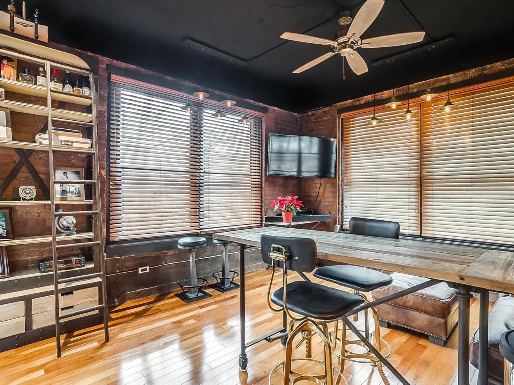 Sold Property | 910 Houston Street #201 Fort Worth, Texas 76102 1