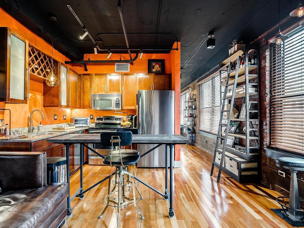 Sold Property | 910 Houston Street #201 Fort Worth, Texas 76102 10