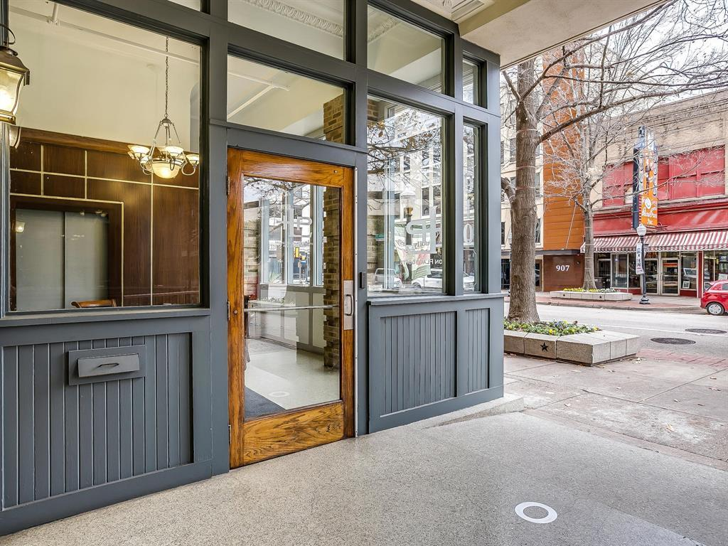 Sold Property | 910 Houston Street #201 Fort Worth, Texas 76102 29