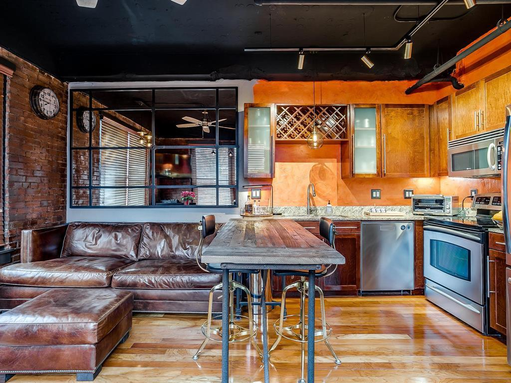Sold Property | 910 Houston Street #201 Fort Worth, Texas 76102 5