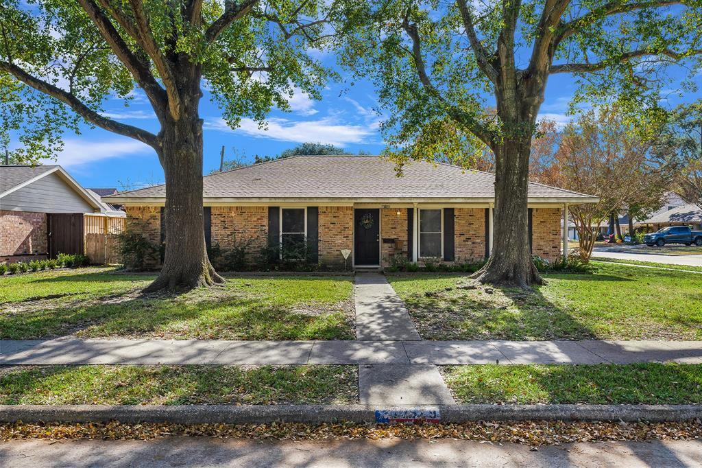 Off Market   10679 Ivyridge Road Houston, TX 77043 0