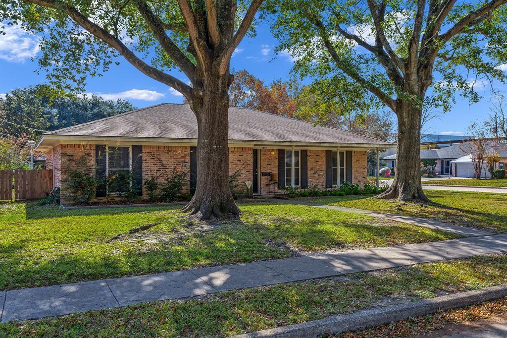 Off Market   10679 Ivyridge Road Houston, TX 77043 1