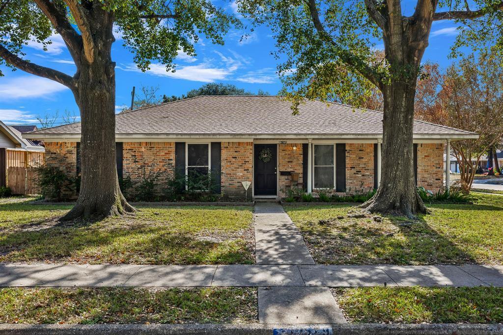 Off Market   10679 Ivyridge Road Houston, TX 77043 2