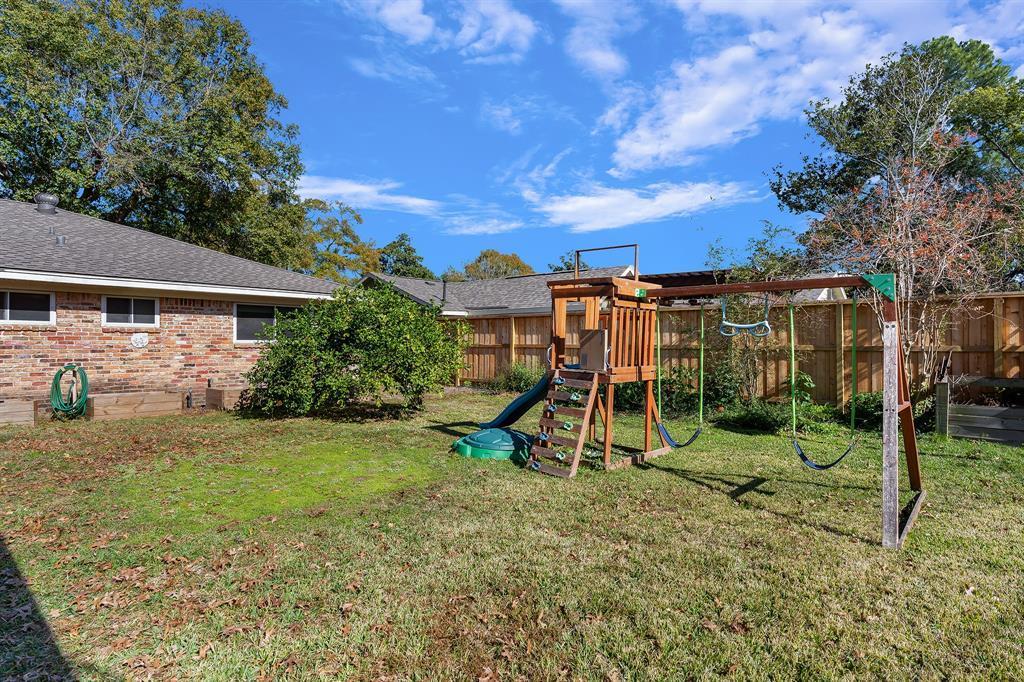 Off Market   10679 Ivyridge Road Houston, TX 77043 26