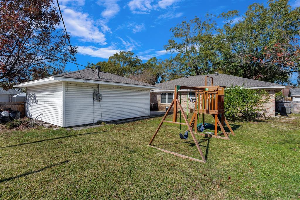 Off Market   10679 Ivyridge Road Houston, TX 77043 27