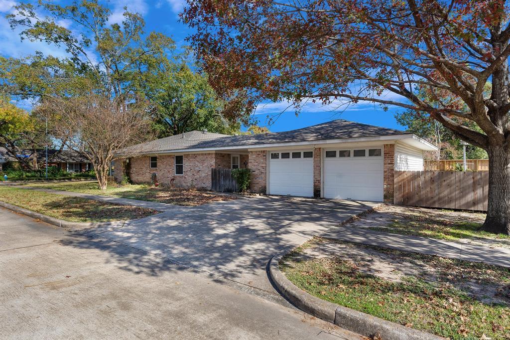 Off Market   10679 Ivyridge Road Houston, TX 77043 28