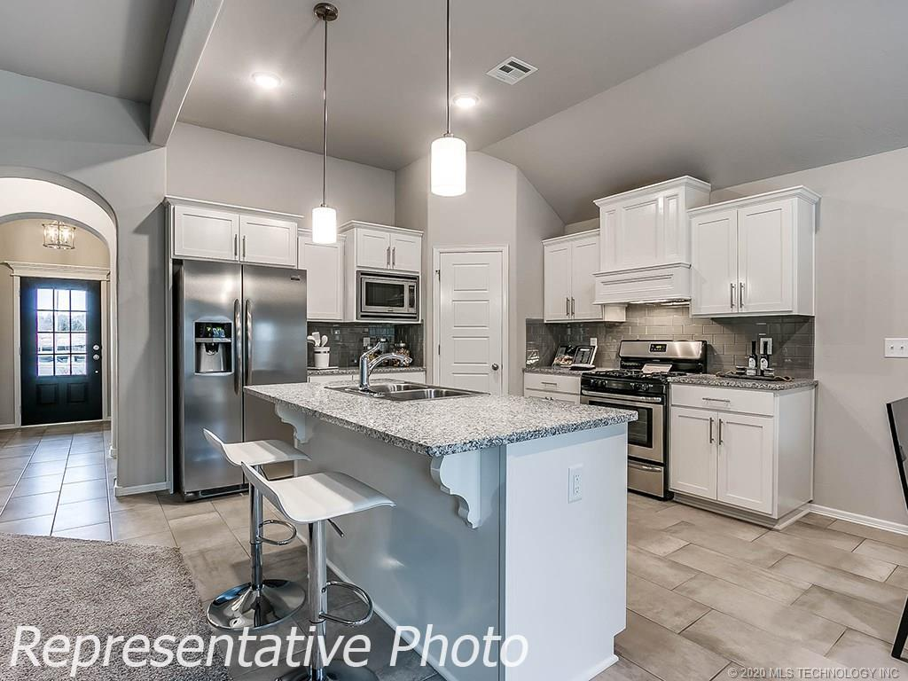 Active | 8744 N 73rd East Place Owasso, OK 74055 10