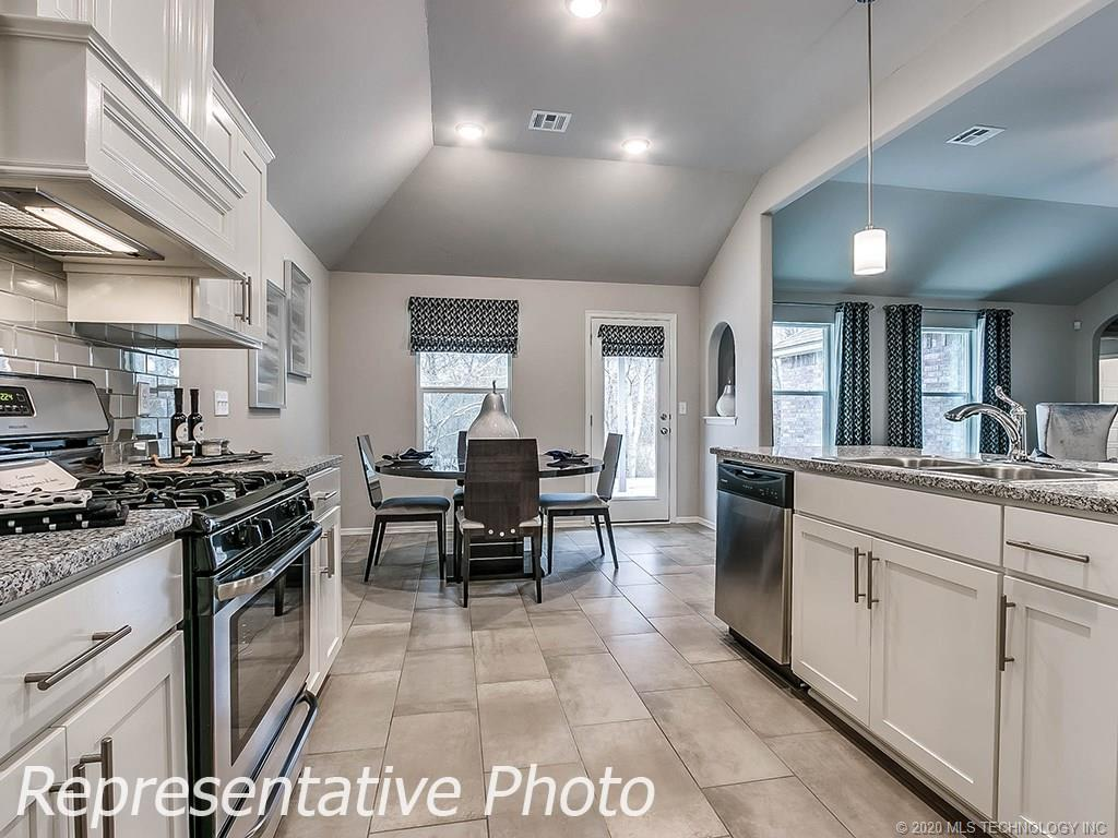 Active | 8744 N 73rd East Place Owasso, OK 74055 12