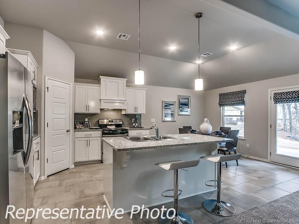 Active | 8744 N 73rd East Place Owasso, OK 74055 9