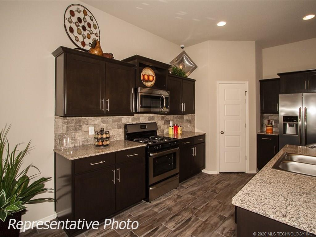 Active | 8708 N 73rd East Place Owasso, OK 74055 11