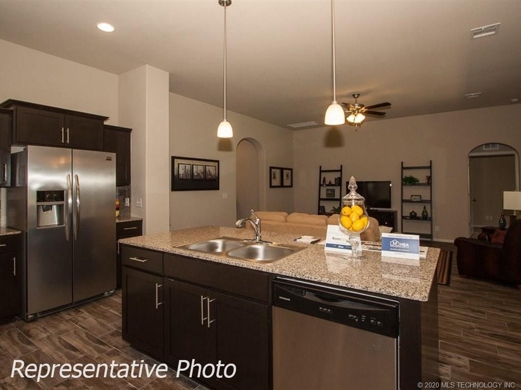 Active | 8708 N 73rd East Place Owasso, OK 74055 12