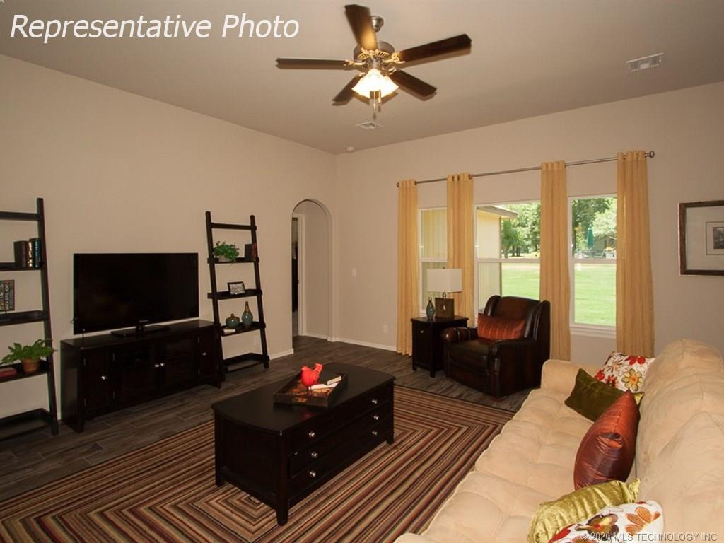 Active | 8708 N 73rd East Place Owasso, OK 74055 4