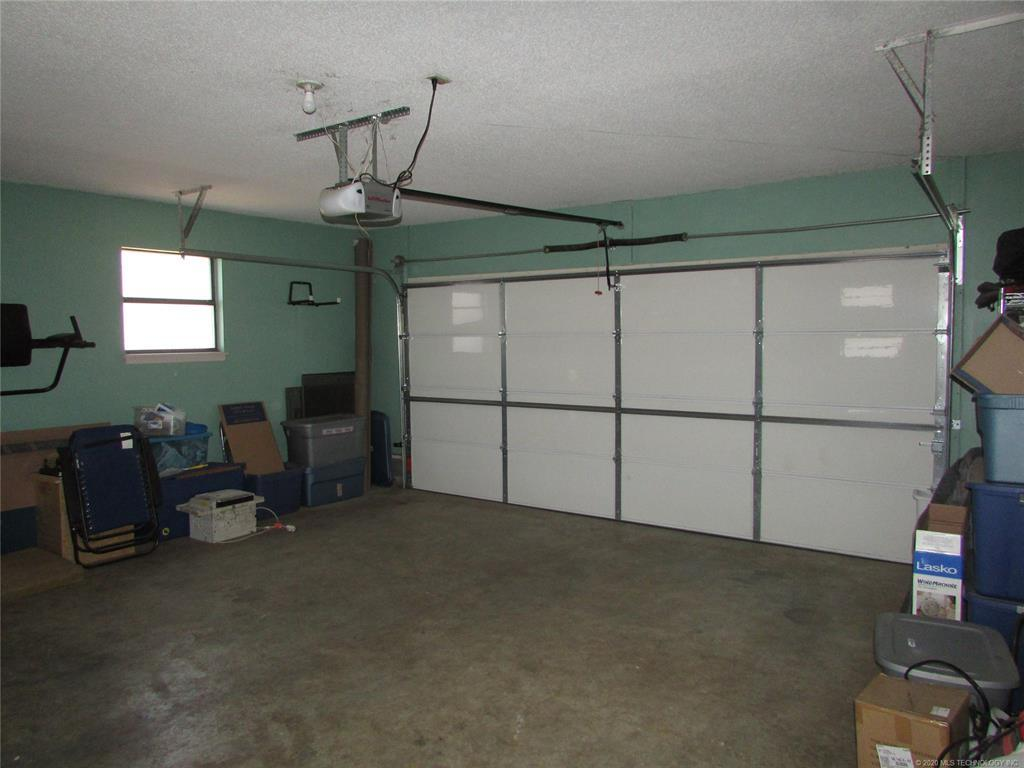 Off Market | 114 W Lewis Avenue Vinita, OK 74301 24