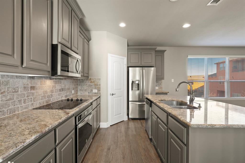 DFW Real Estate | 7310 Venice  Drive #3 Grand Prairie, TX 75054 12