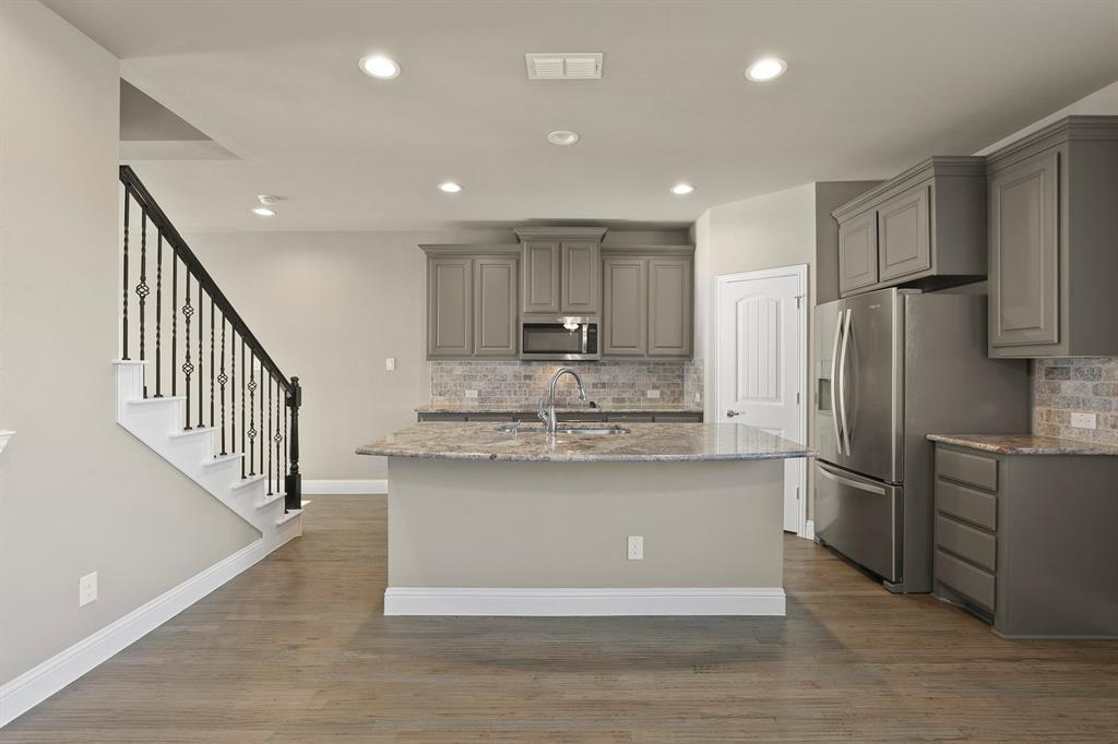 DFW Real Estate | 7310 Venice  Drive #3 Grand Prairie, TX 75054 10