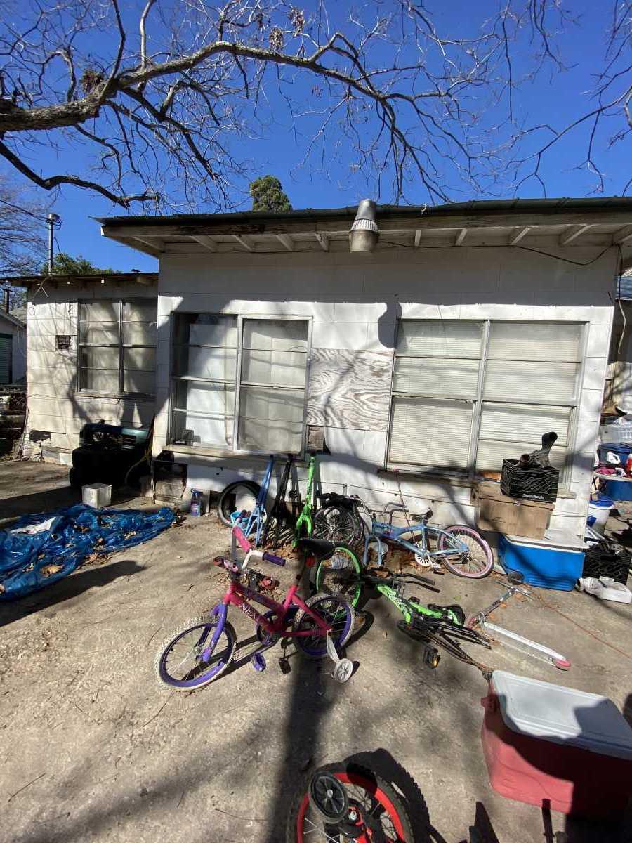 Active | 210 Felisa San Antonio, TX 78210 5