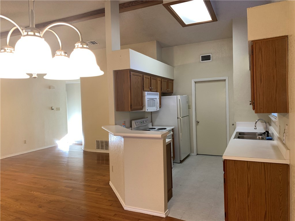 Leased | 4614 Caymen Place Austin, TX 78749 2