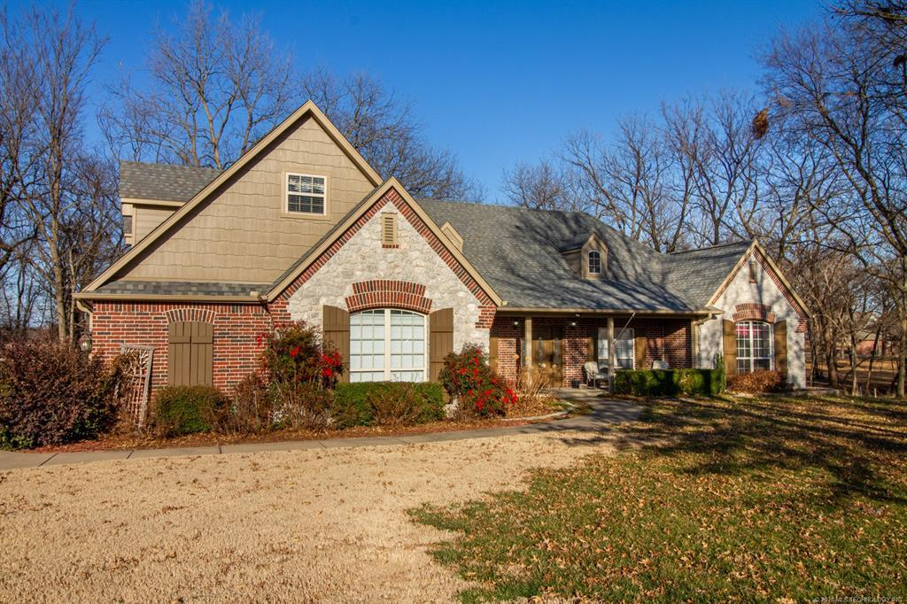 Active | 15 Woodcreek Road Pryor, OK 74361 32