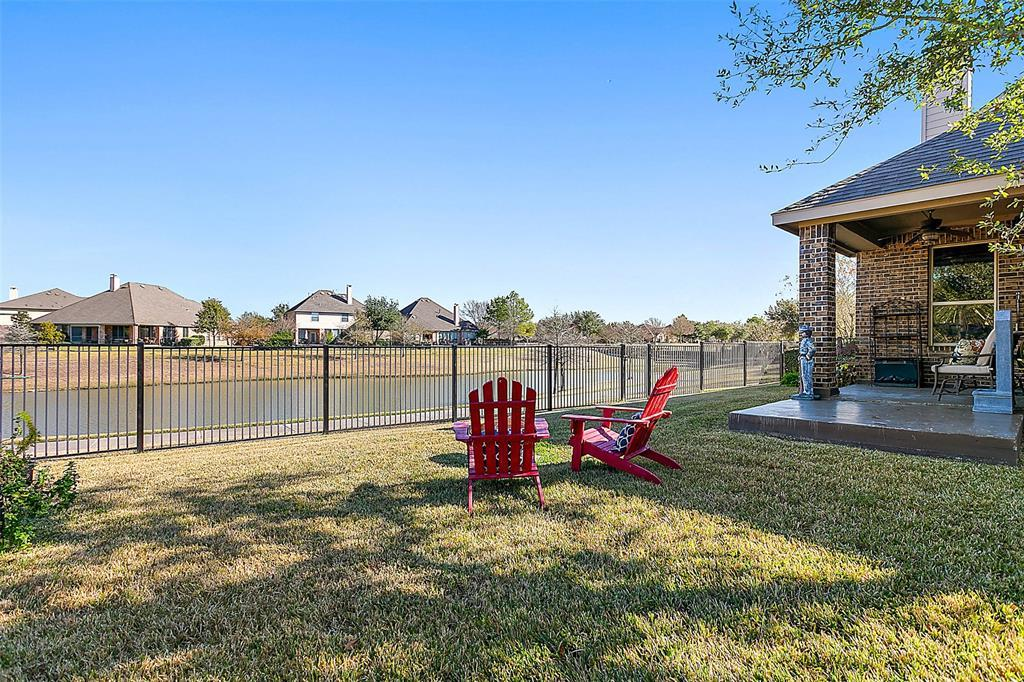 Active | 18422 W Willow Oak Bend Drive Cypress, TX 77433 2