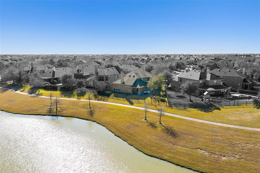 Active | 18422 W Willow Oak Bend Drive Cypress, TX 77433 3
