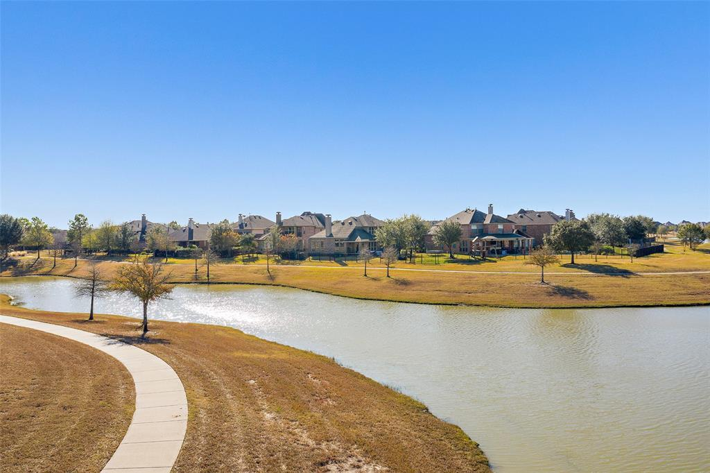 Active | 18422 W Willow Oak Bend Drive Cypress, TX 77433 32