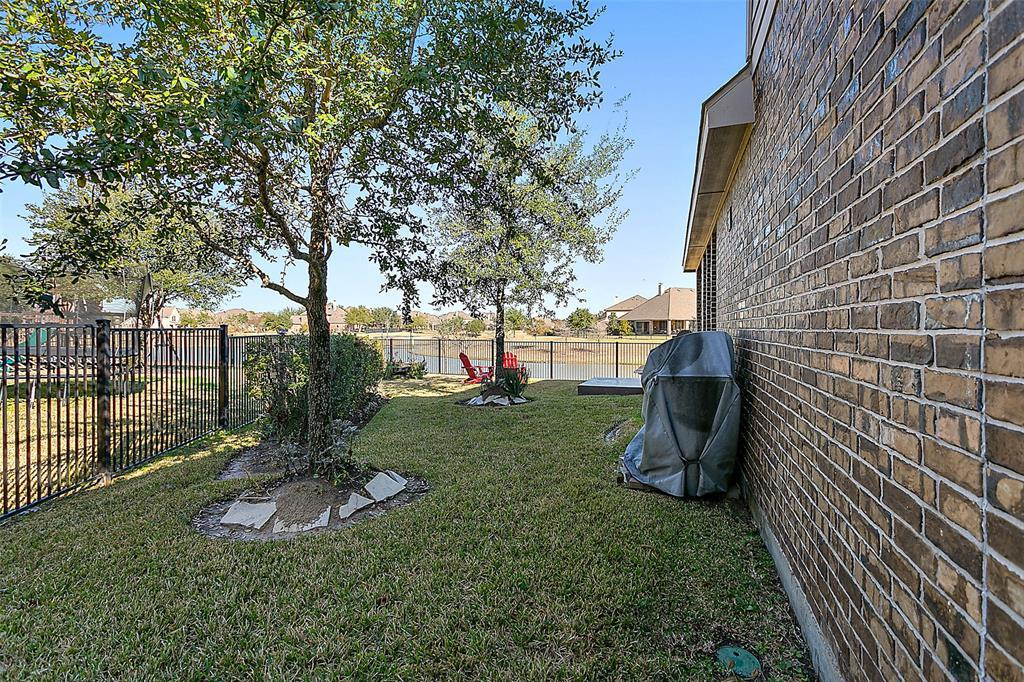 Active | 18422 W Willow Oak Bend Drive Cypress, TX 77433 35