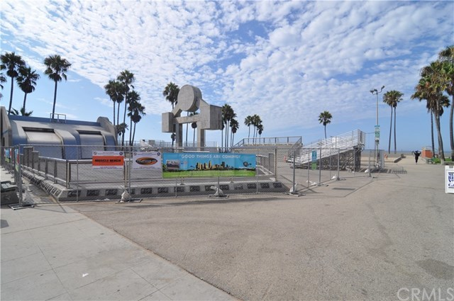 Active | 36 18th  Avenue Venice, CA 90291 15