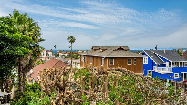 Closed | 211 S Helberta  Avenue #4 Redondo Beach, CA 90277 4