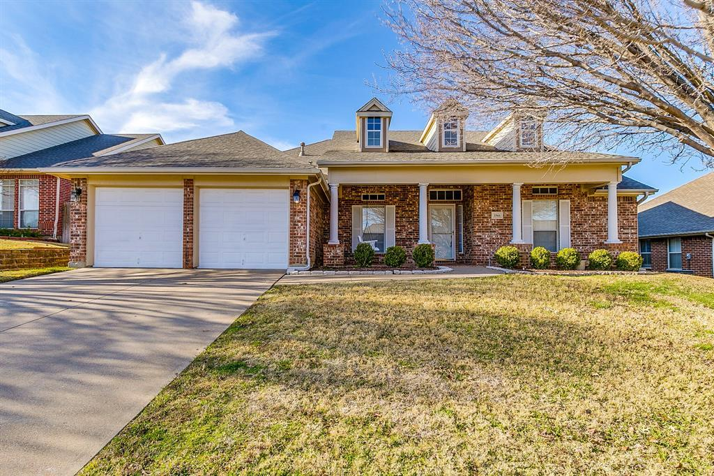 Active | 2966 Masters Court Burleson, TX 76028 0