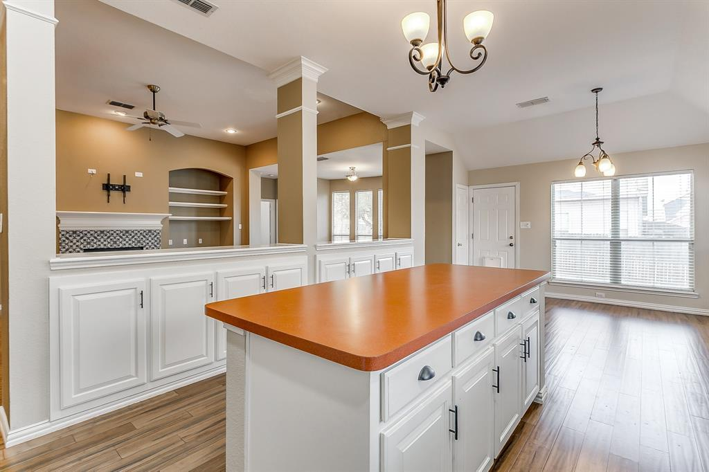 Active | 2966 Masters Court Burleson, TX 76028 14