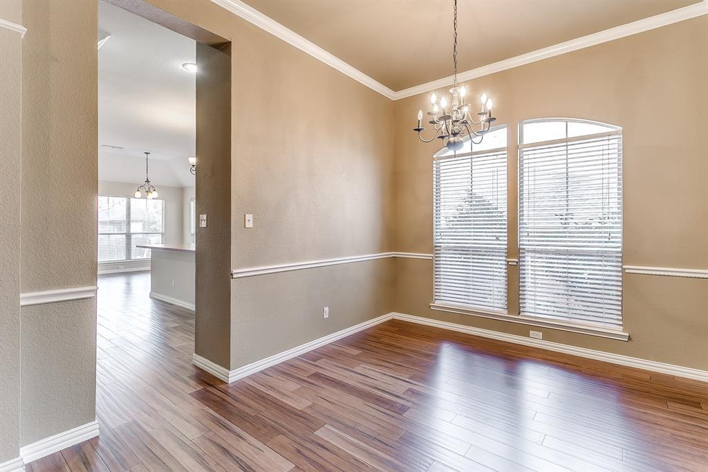 Active | 2966 Masters Court Burleson, TX 76028 7