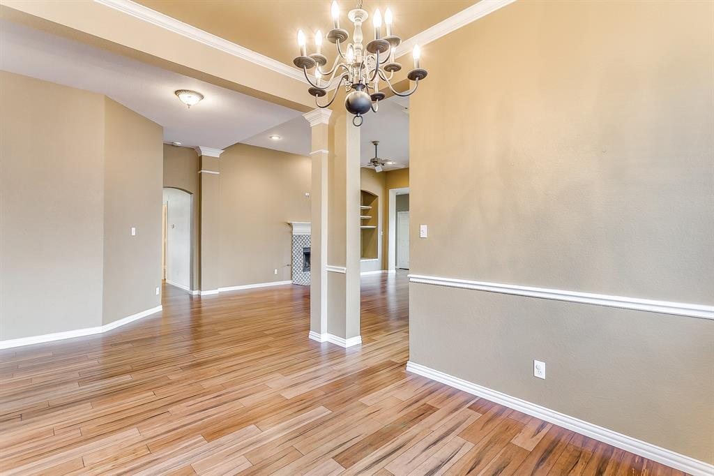 Active | 2966 Masters Court Burleson, TX 76028 8