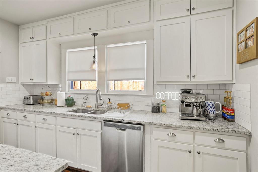 Dallas Real Estate | 517 S Rosemont Avenue Dallas, TX 75208 15