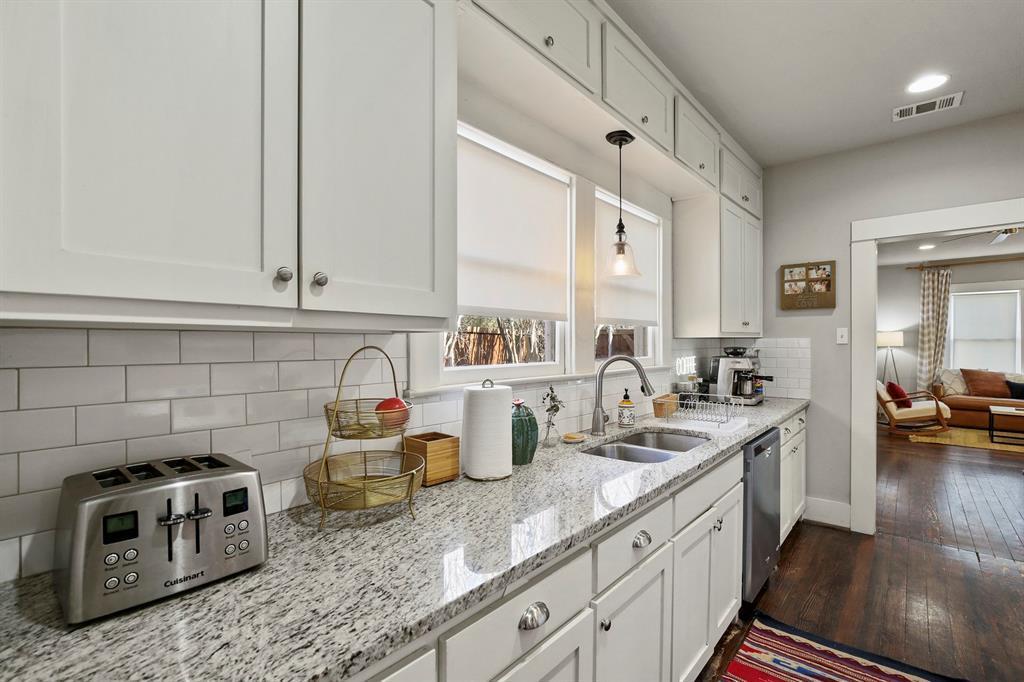 Dallas Real Estate | 517 S Rosemont Avenue Dallas, TX 75208 19