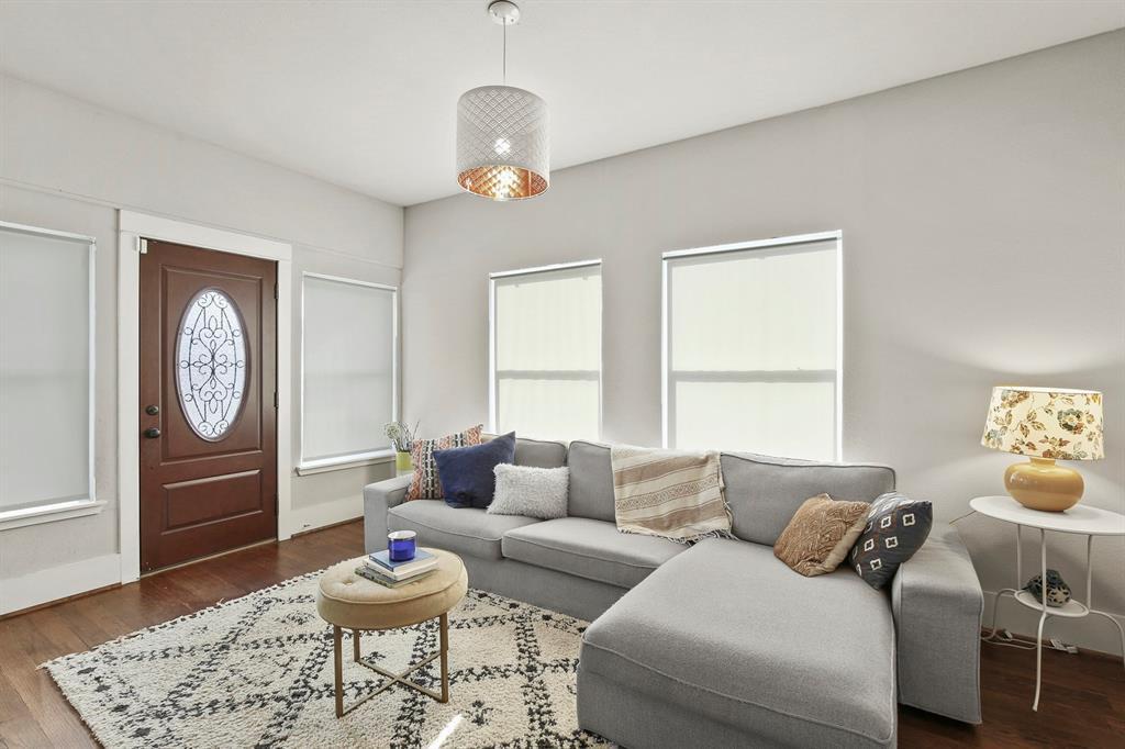 Dallas Real Estate | 517 S Rosemont Avenue Dallas, TX 75208 5