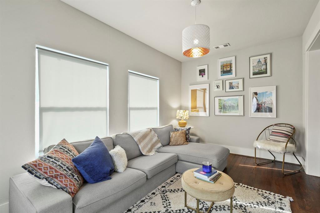 Dallas Real Estate | 517 S Rosemont Avenue Dallas, TX 75208 6