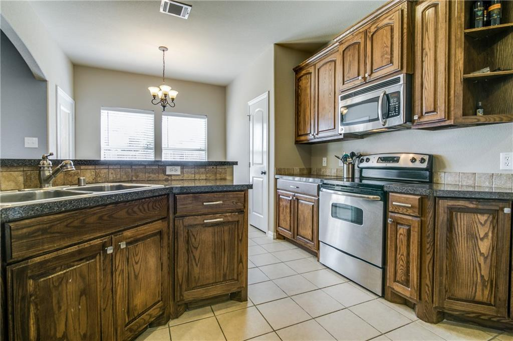 Housed Real Estate + Relocation  | 1400 Claire  Lane Royse City, TX 75189 14