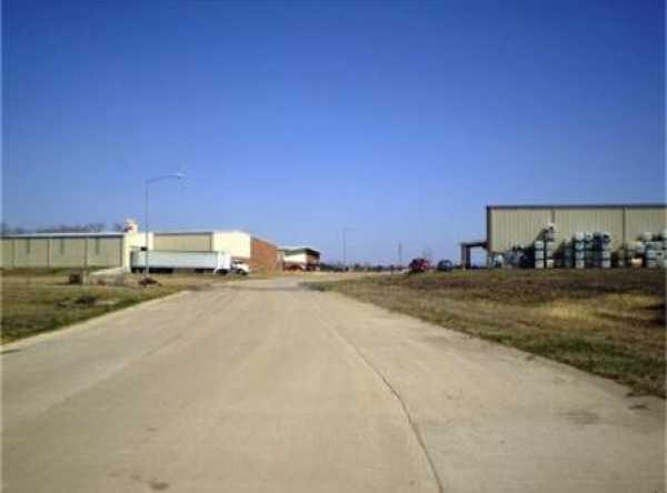 Active   1806 Bob Tedford Drive Farmersville, Texas 75442 11