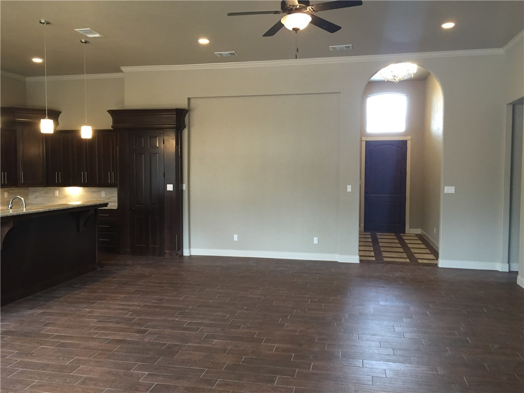 Leased | 15107 General Williamson Drive Austin, TX 78734 9