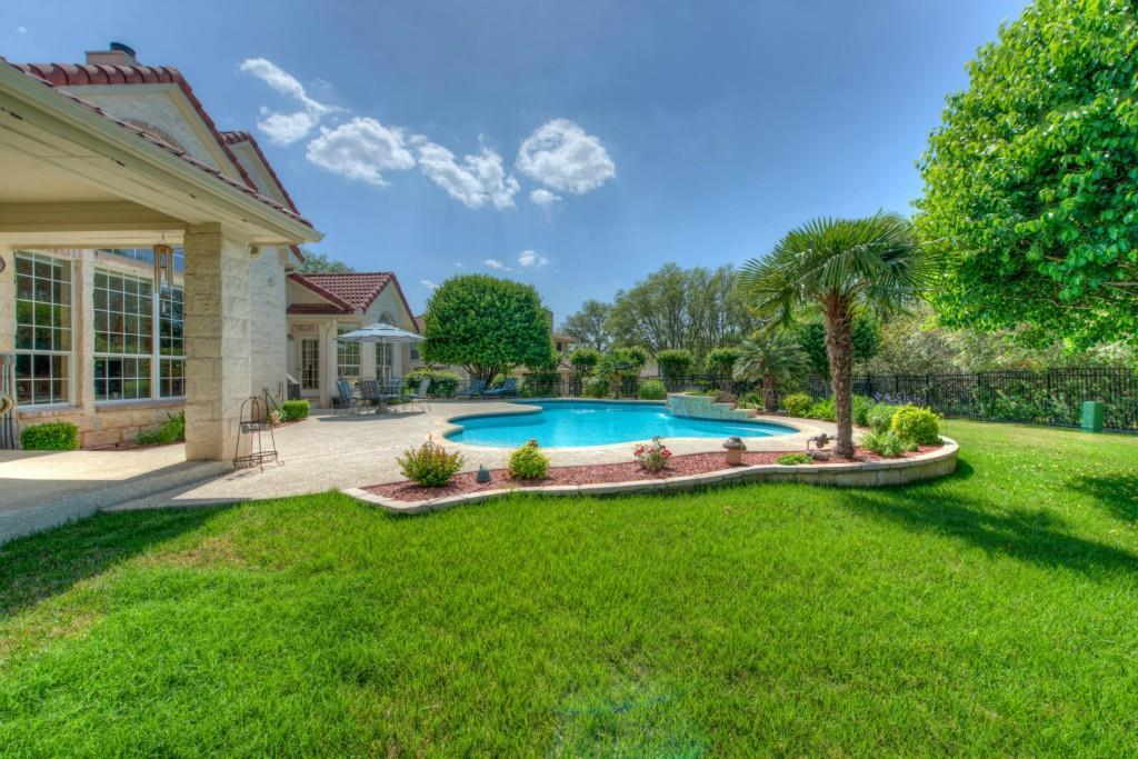 Sold Property | 10 Hedgebrook WAY The Hills, TX 78738 44