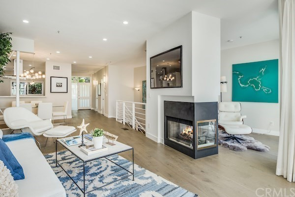 Closed | 2913 3rd  Street #308 Santa Monica, CA 90405 2