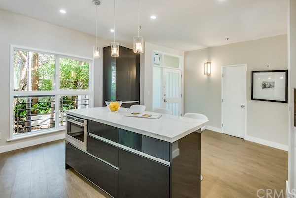 Closed | 2913 3rd  Street #308 Santa Monica, CA 90405 24