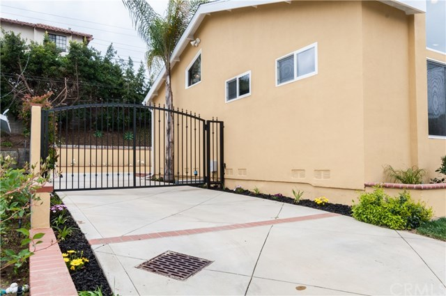 Closed | 20915 Tomlee Avenue Torrance, CA 90503 40