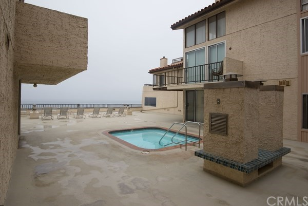 Closed | 555 Esplanade   #320 Redondo Beach, CA 90277 36